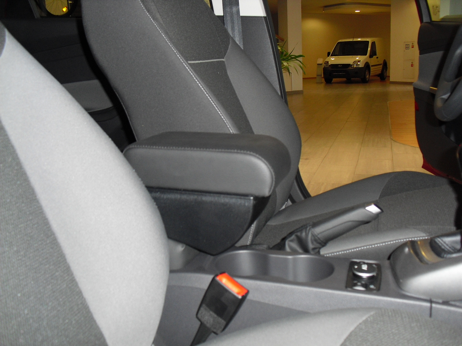 FORD Подлокотник с консолью Ford Focus 2 / Форд Фокус 46